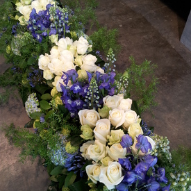 Kistbedekking blauw wit